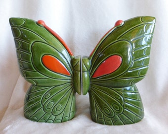 Butterfly salt and pepper set from the 1970s in green and orange