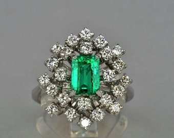 Special offer- Sensational 1.70 Ct Colombian emerald and diamond vintage ring