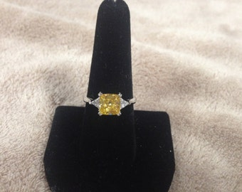 Vintage 925 Sterling Silver Ring with Cubic Zirconia and Yellow Gemstone