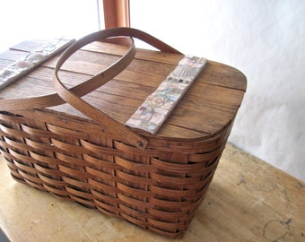 Oak Splint Picnic Basket, Broken China Mosaic, Wedding Gift, Pique Assiette Mosaic Art, Vintage Picnic Basket, Picnicware, Picnic Hamper