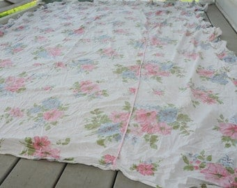 Vintage Cotton Coverlet Roses Pink TWIN