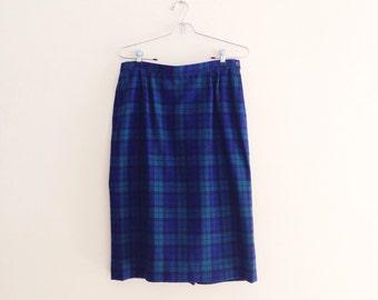 Vintage Navy Blue & Hunter Green Plaid Wool Skirt / Tartan Pencil Skirt / High Waisted Pendleton Skirt / Secretary Skirt / 1960s