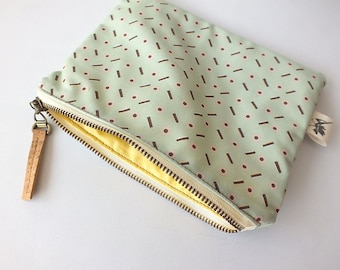 Zipper pouch Licorice. Handmade of organic cotton and cork. On sale (before 29 euros)