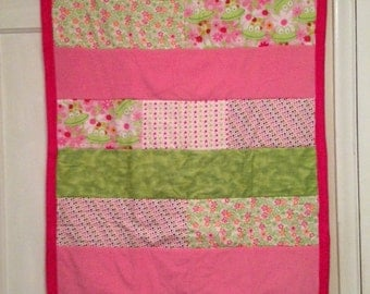 Pink & Green Frogs Baby Quilt