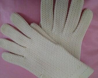 Vintage White Knit Gloves