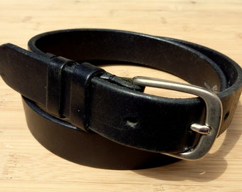 Vintage Eddie Bauer Black Leather Trad / Ivy League Belt Size M  / 30 - 32.  Made in England.