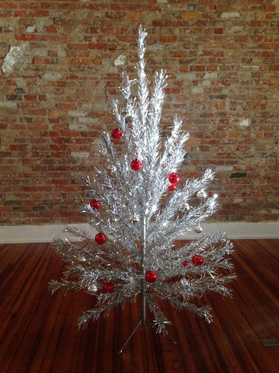 Vintage Aluminum Christmas Tree With Color Wheel
