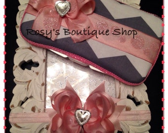 Pink chevron baby wipe travel case with hair bow