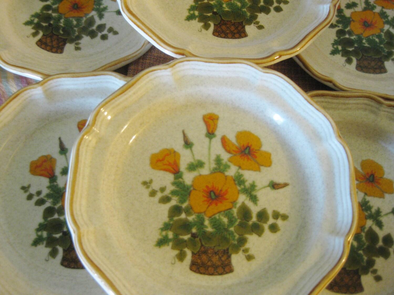 Mikasa Garden Club Stoneware Petunia Salad Plates Great Set