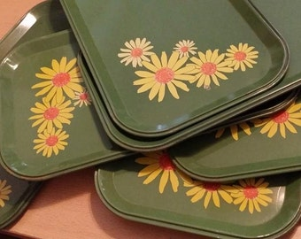 1 VINTAGE TRAY Green Metal Tray Custom Home Decor Shabby Cottage Chic Yellow Daisies