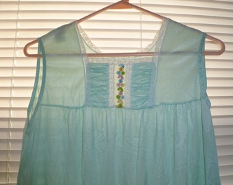 Vintage Teal Nightgown, Long Light Teal Nightgown, Flower Detail, Size Small, Summer Nightgown, Nylon Nightgown