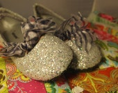 CLEARANCE SALE; Girls size 4; Silver Glitter Shoes; Zebra Ribbon; Flower Girl Shoes; Next Day Shipping!