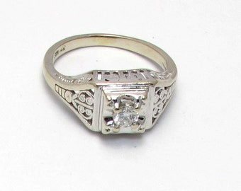 14k White Gold Art Deco Diamond Filigree Engagement Ring - Size 5