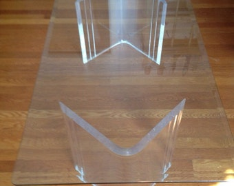Lucite Coffee or End TABLE Mid Century Modern Hollywood Regency