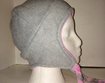 Reversible fleece beanie with ties, grey and pink beanie