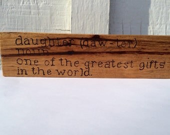 daughter shelf or desk sitter, description of daughter, wooden shelf sitter