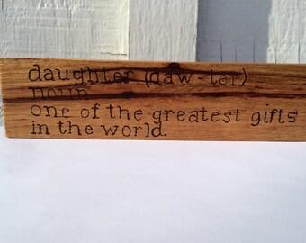 daughter shelf or desk sitter, description of daughter, wooden shelf sitter