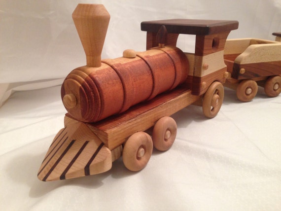 Wooden Toy Steam Locomotive Train Set with Removable Lid Roofs ...