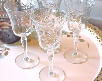 Vintage Etched Wine Glasses Cordial Sherry Apertif Dessert Wine Glasses Etched with Flowers - Set of 4 - Wedding Gift - Housewarming Gift