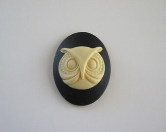 Owl Face Cameo 30 x 40 Black and White Geekery Cabochon Resin Goth Macabre Creepy Wholesale Jewelry Supply Supplies CrazyCoolStuff