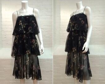 vintage 70s tiered dress // black floral // spaghetti straps // size 4/6