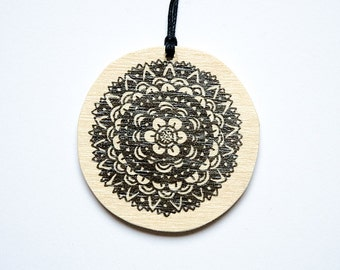 "Pendant ""Black Flower"""