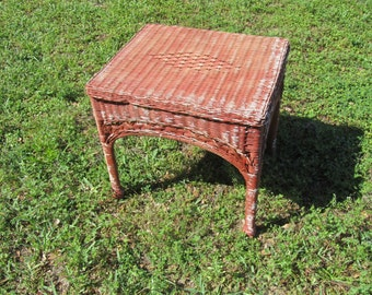 Red Chippy Paint Wicker Side Table, Small Wicker Table, Red And White End  Table