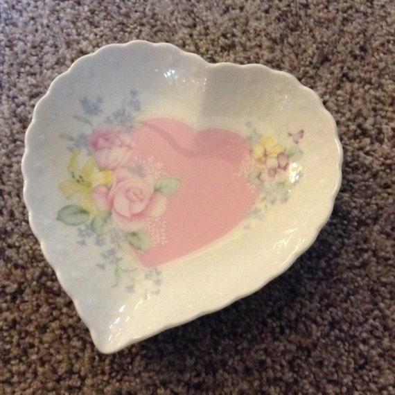 Heart shaped mikasa of japan dish bowl valentines day heart for Heart shaped jewelry dish