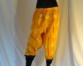 Yellow Yoga Pants, Cotton Harem Capri, Meditation, Gypsy Pants. Women's Yoga legging, tai chi pants, . ComfyCottons from Aritkrti.