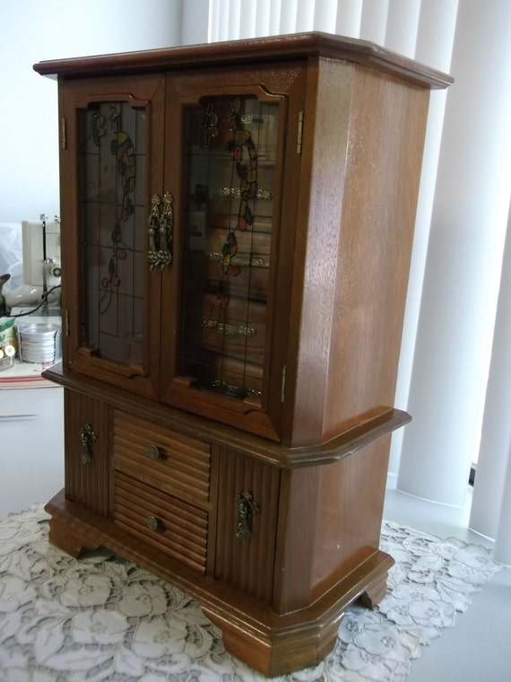 large musical jewelry box jewelry armoire. Black Bedroom Furniture Sets. Home Design Ideas