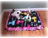 Luxury Cat Beds - Small Pet Bed - Fleece Tie Blanket for Pets - Cat Print Fabric