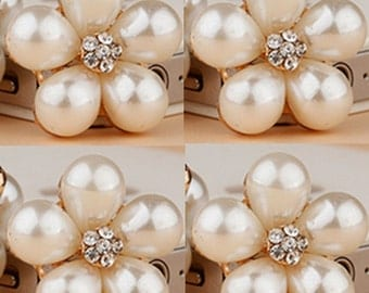 4 Flat Back Rhinestone and Pearl Buttont Flower Button (23 mm) DT-134