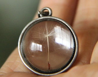 6 pcs of hand made pendant  brass setting fit with glass cabochon and real Dandelion inside 20mm-antique silver