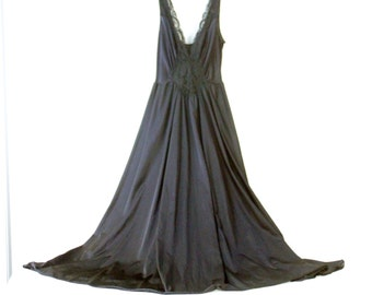 Vintage Black Olga Lingerie Nightgown with Black Lace HUGE Sweep Style #92280 Size L 16