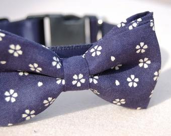 Cute Bow tie dog collar,wedding dog collar.Birthday party dog collar.Cute Navy with white flower print dog wedding collar.pet  party collar