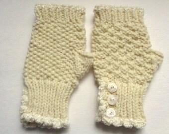 Cream Fingerless Gloves, Knitted Mittens, Button Cuff Wrist Warmers, Cream Texting Gloves, Women's Fingerless Gloves, Handmade Arm Warmers