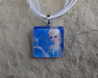 The Princess Collection Queen Elsa from Frozen Glass Pendant and Ribbon Necklace