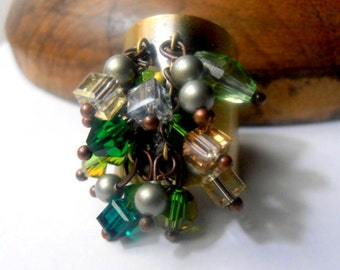 Chrysolite Green/Powder Green Perles Swarovski Jonquil Cube Crystals - Oval Crystals-Bicones-Old Antique Brass Adjustable Ring
