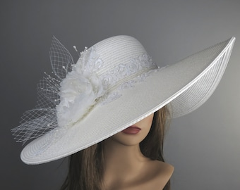 Off White Church Wedding Hat Head Piece Kentucky Derby Hat White Bridal Coctail Hat Couture Fascinator  Bridal Hat