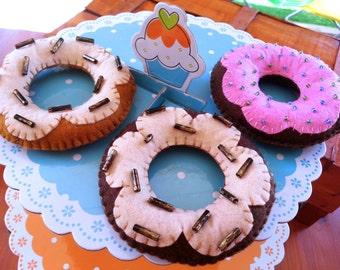 1 handmade Felt Donut - pincushion, embellishment for home, gift for kids