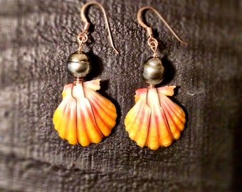 Sunrise Shells & Tahitian pearl earrings