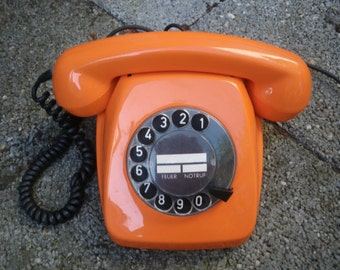 vintage ORANGE RETRO rotary TELEPHONE made by the siemens company also available in green