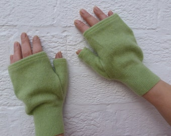 Mens gloves womens green fingerless gloves large size ladies handwarmers winter gloves. Eco-friendly cashmere recycled..