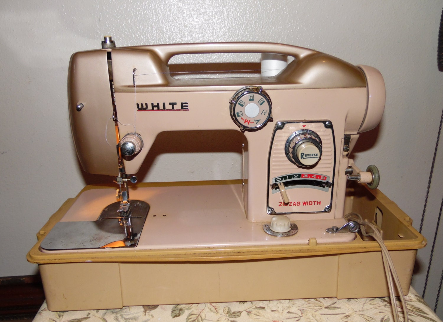 vintage white sewing machine models