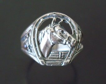 Solid 925 Sterling Silver Stunning Horseshoe and Horses Head Ring