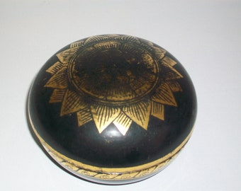Antique c. 1920s Black and Gold Lacquer Box Circular