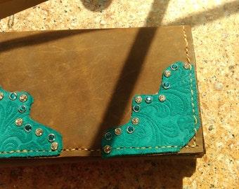 Ladies tri-fold wallet