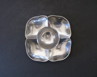 Midcentury Four-Compartment Clover Shaped Server + Integrated Bowl - Gense, Sweden 1960s