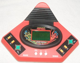 Play by Play Football V-Tech Video Technology Talking Handheld Electronic Game Portable Battery Operated
