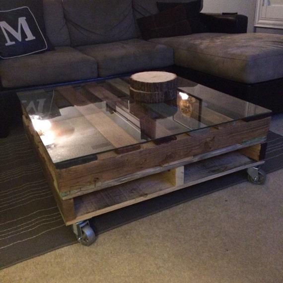 Rustic Wood Pallet Coffee Table: Rustic Upcycled Pallet Coffee Table